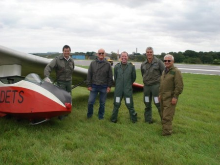 The 621 HF team ( Webby, Daryl, Adam and Pete ) along with the St Athan Base Commander